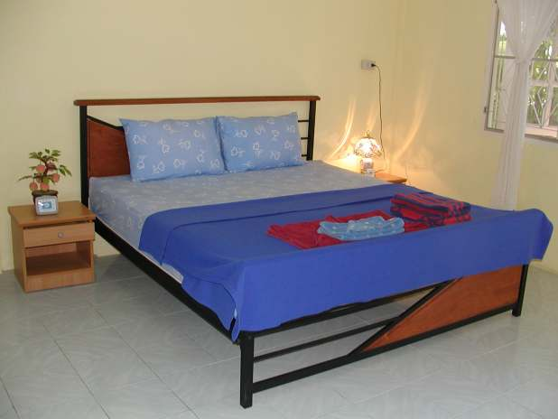 ECO Guesthouse Naiyang, Phuket, King Size Beds / Große Betten